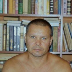 Восточный парень ищет  девушку в Курске для секс встреч
