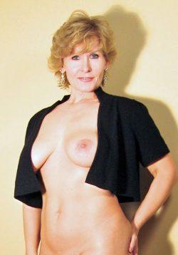 Безумно сексуальная девочка хочет ласки с нежным мужчиной в Курске